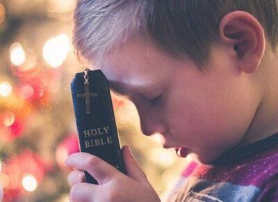 Encouraging children to pray